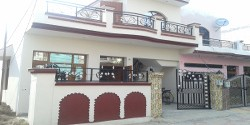 100 Sq Yards Independent corner House (Kothi)  for Sale @ 42 Lac In Shiva Colony Zirakpur call-9888775612