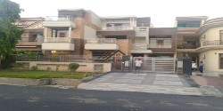1 Kanal Luxury Independent House ( Kothi) for Sale @ 6 Cr. in sector 69 Mohali Call-9888775612,9888777712