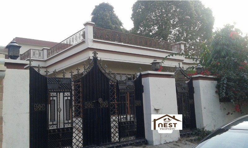 1 Kanal Corner Independent House-Kothi For Sale In 4.60 Cr At Phase XI Mohali .