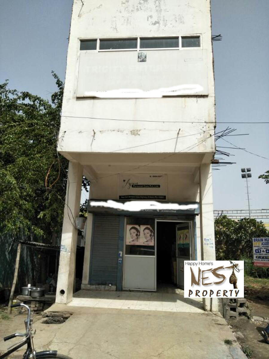 Showroom For Sale @ 75 lac On Panchkula- Kalka High Way Zirakpur  Call- 9888775612, 9888777712