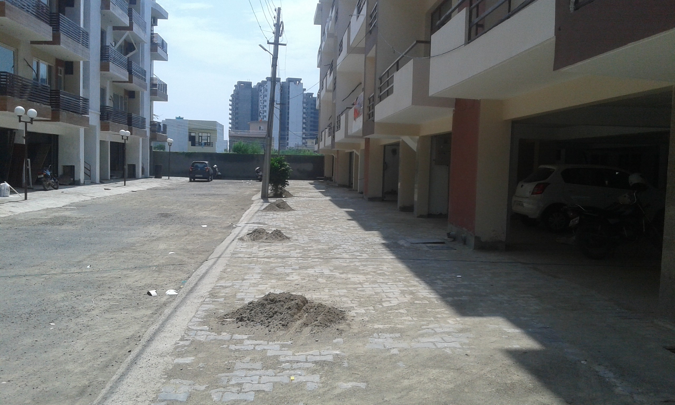 Flats in Zirakpur -3 Bhk Ready To Move Flats In Zirakpur ( Flats ) @ 32.90 Lac In Prime Homes Near Ambala Road Zirakpur