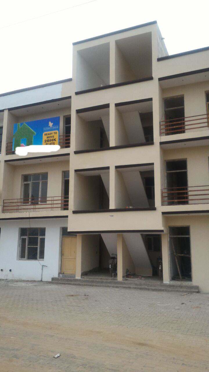 2 bhk flats in zirakpur, flats for sale in zirakpur societies-2 Bhk Ready to Move Floor In Golden Sparrow In Vishranti City gajipur Road Zirakpur call-9888775612 , 9888777712