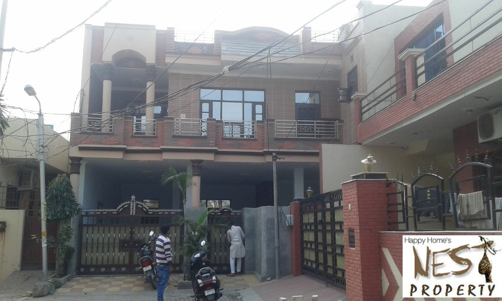 200 sq yards independent Double story House – Kothi For sale in Badal Colony @ 80 lac in Zirakpur Call-9888777712 , 9888775612