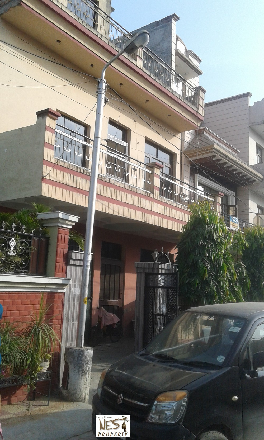 Property in zirakpur, Independent House for sale in zirakpur ,200 sy. @ 65 Lac In Hem Vihar Baltana M.C Zirakpur call-9888775612 , 9888777712