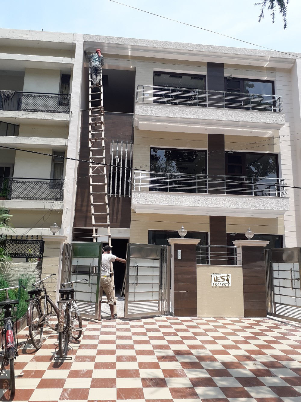 10 Marla Independent Floor for Sale at Sector 35 In Chandigarh Call-9888777712